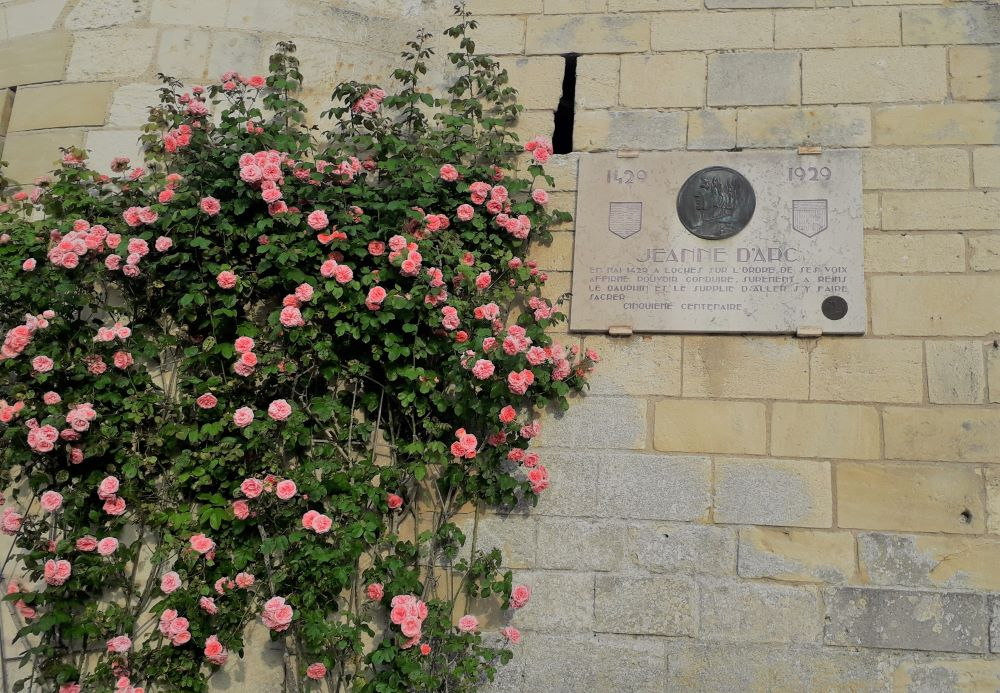 Plaque commemorating Joan's visit to Loches
