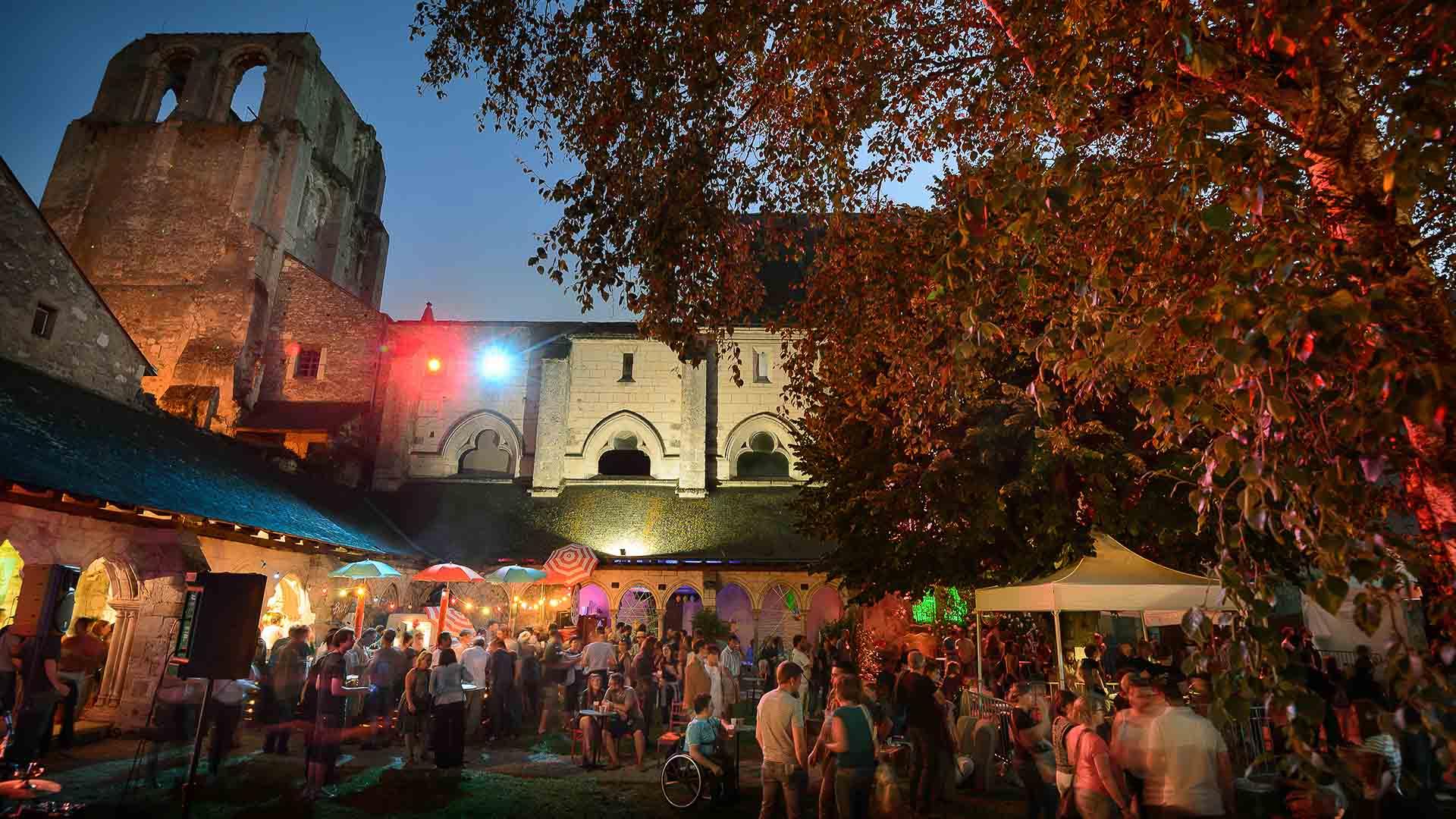 La Poule à Facettes Festival - Cormery Abbey