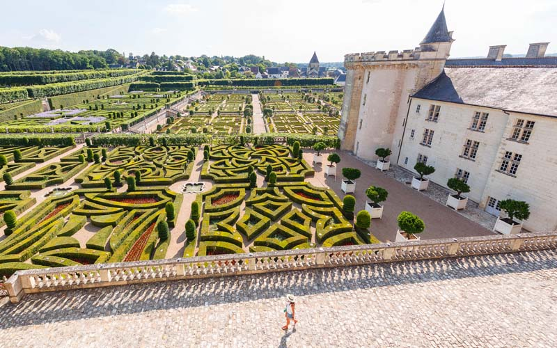 View to the gardens of Villandry castle and its medieval tour, 15 kilometers from Tours. A new bus tour in the south of Paris (France) to learn french history with a travel group. Guide available for a small travel group of english speaking people (from London or America). Villandry is often on the road during a tour around Tours.