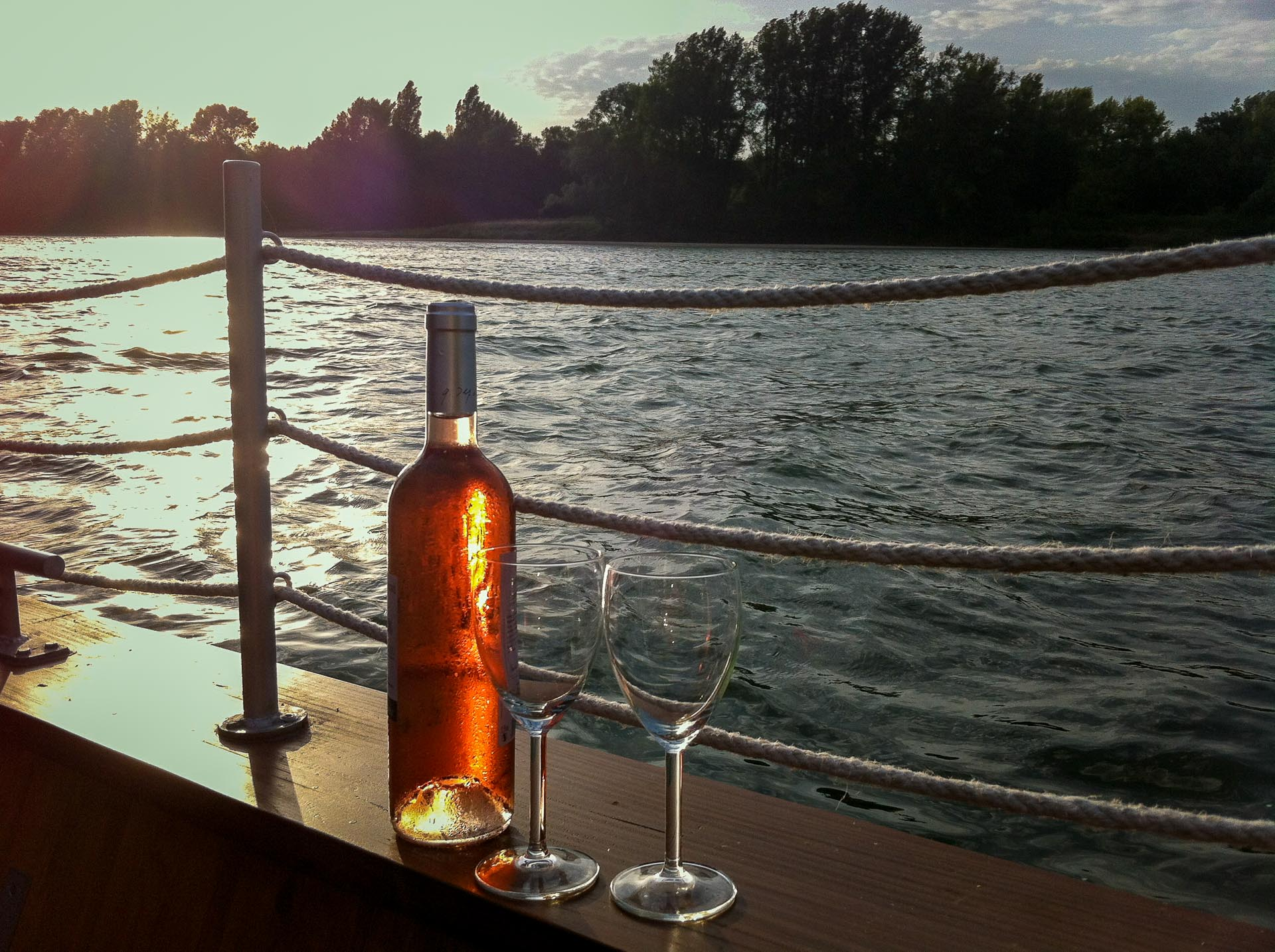 No cruise nor travel on rivers, but wine tasting on the Loire River, near the french city of Tours and the chateau of Langeais. Hotel La Toue Reine (la Batelière), Loire Valley, France.
