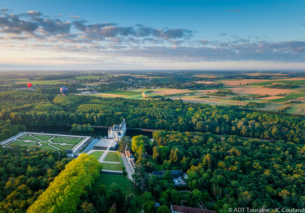 Chenonceau - Hot air balloon - Loire Valley, France.