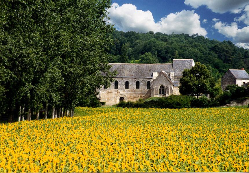 Cravant-les-Coteaux sanctuary