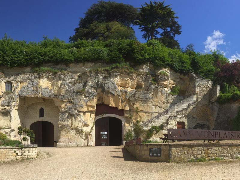 The Cave Monplaisir, a winery to visit in Chinon.