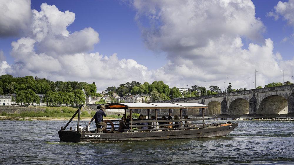 Tours - Boutavant boat on the River Loire