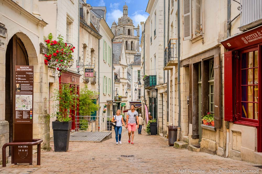 A walk through the streets of Loches