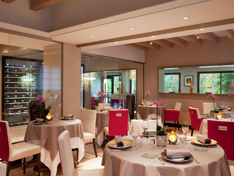 L'Aubinière restaurant, next to the Fleuray Amboise golf. Loire Valley, France.