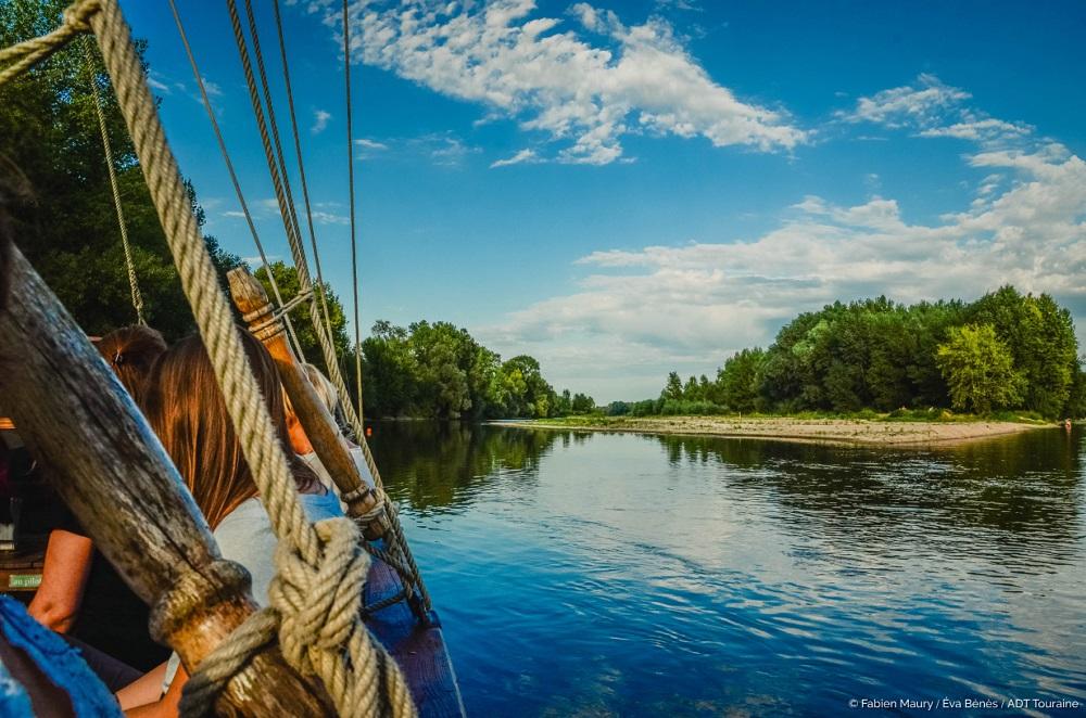 Boat trip with La Rabouilleuse - Aperitif - Loire Valley, France.