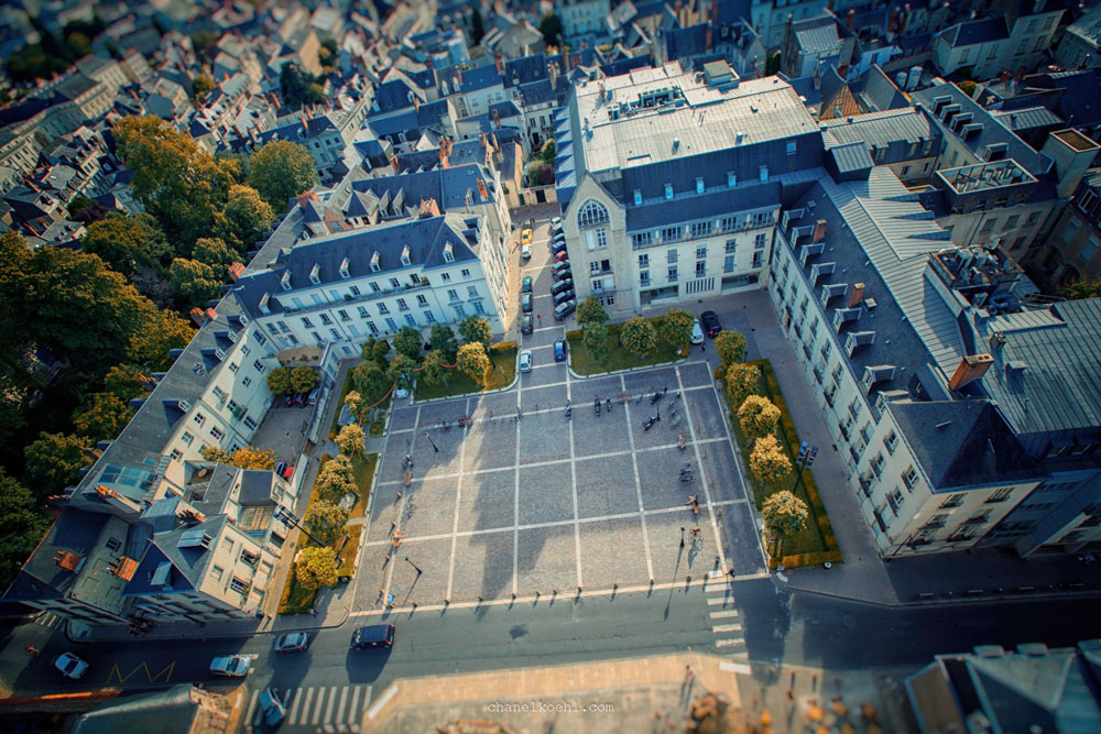 An aerial view of Tours...