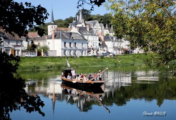 Les Mariniers du Jean Bricau – traditional 'futreau' boat on the Cher-7