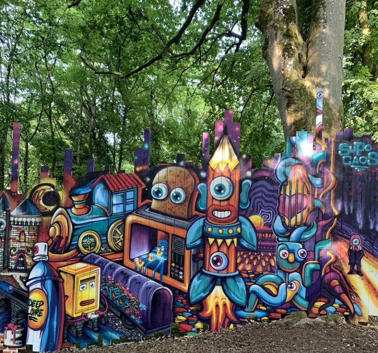 Street Art park at the chateau de Môh-1