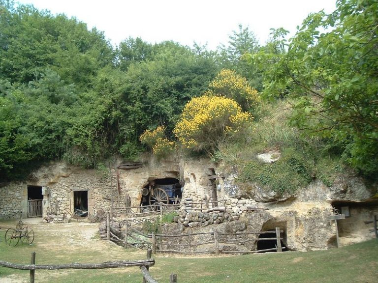 Troglodytic Valley of Goupillières-3