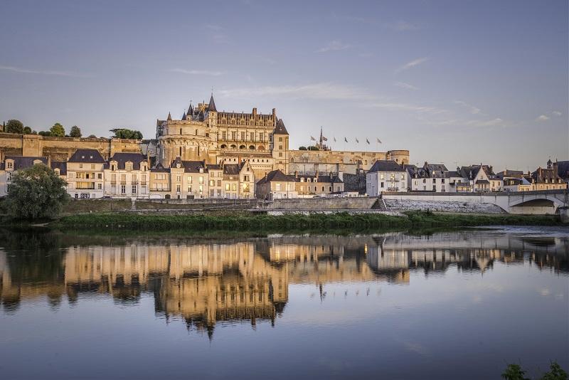 Royal Château of Amboise in AMBOISE, Visite & Tourism Loire Château Tours in France - Touraine Val de Loire