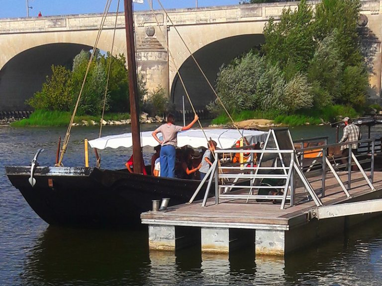 Boat trips on the Loire in Tours-6