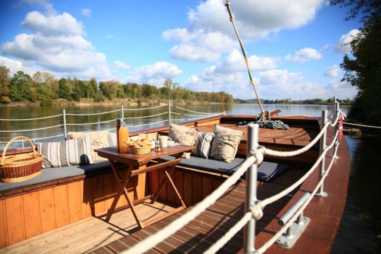 La Toue Reine houseboat-4