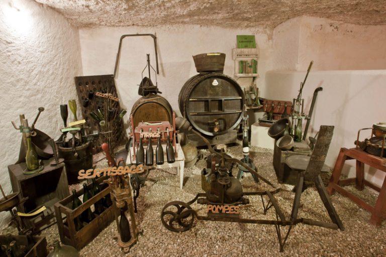 Wine Museum of Château de Moncontour-4