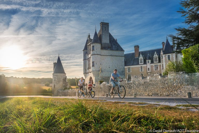 From the Abbey of Aiguevives to the Chateau of Montpoupon-1
