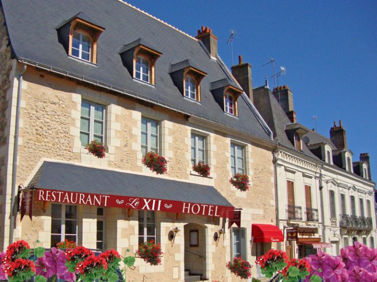 Hôtel Restaurant Le XII de Luynes-3