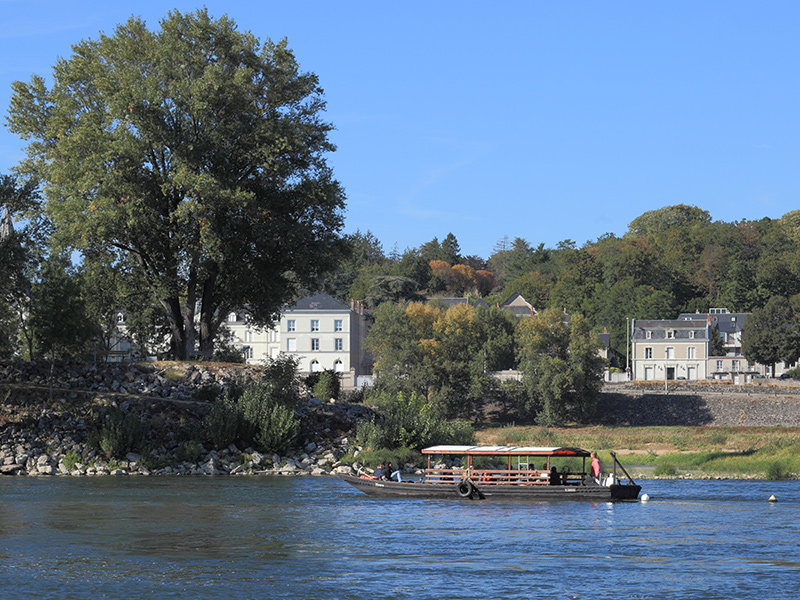 Visit Tours - Boutavant boat on the River Loire