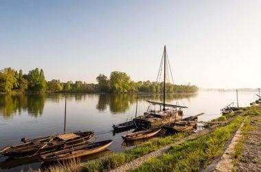 The Loire river in Bréhémont