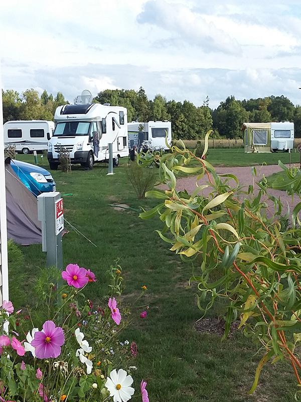 Aire de services du Camping Loire et Châteaux-1