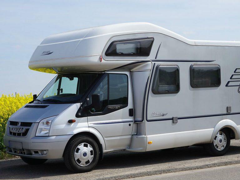 Aire de stationnement de camping-cars de Benais-1