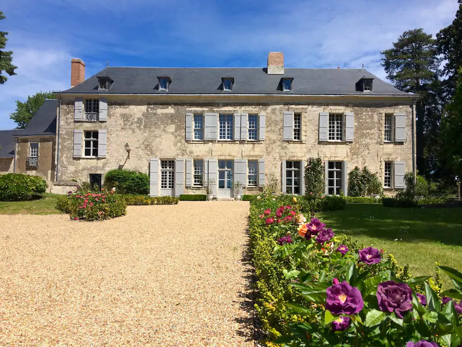 Château de Minière, Les Coteaux sur Loire. Birdlife refuge of the Bird protection league, Loire Valley, France. Pigeon, sparrow and so on are welcomes here to eat fly and other insects