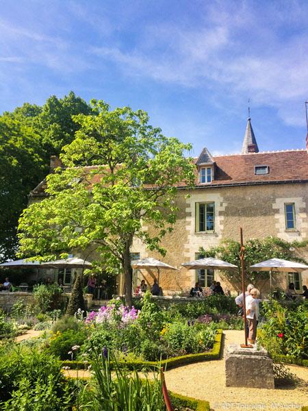 The Presbytery garden of Chédigny-4