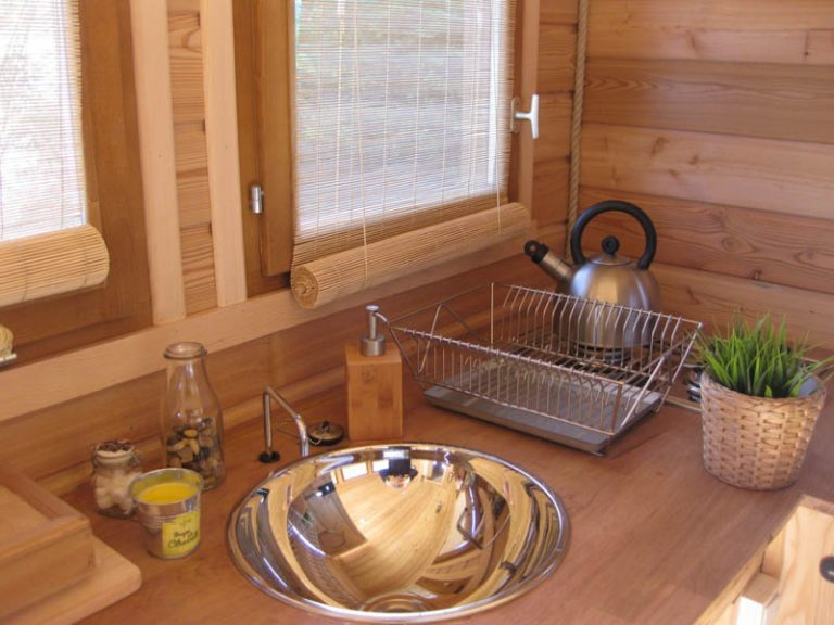 La Toue Reine houseboat-7